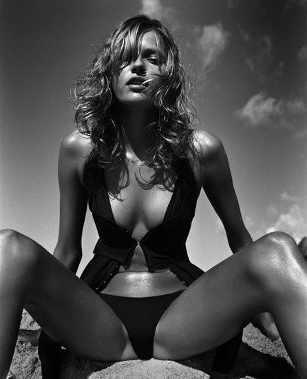 sexy mena suvari nude