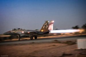 F-15I-night-takeoff-706x469
