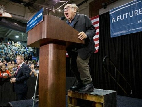 danny-devito-stumps-for-bernie-sanders-Getty-640x480